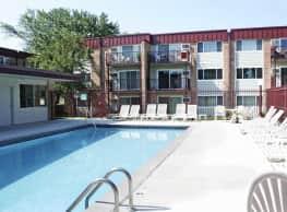 Boulder Court Apartments - Eagan