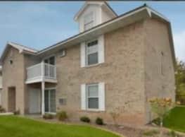 Deerfield Village Apartments - Oshkosh