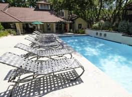 Villas of Oak Hill - Fort Worth