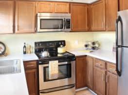 Autumn Ridge Townhomes and Apartments - Lansing