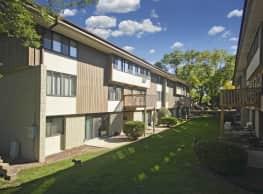 Woodland Court Apartments - Milwaukee