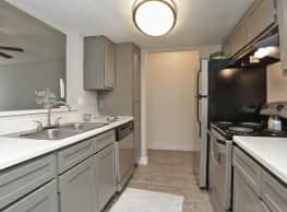 Cashel Springs Apartments - Houston