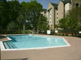 Treehouse Apartments - College Station