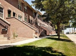 Lincoln Park Town Homes - ISU Campus Apartments - Normal