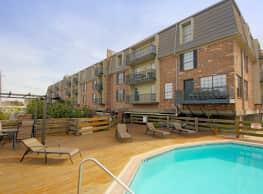 Sailboat Bay Apartments - New Orleans