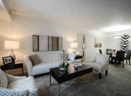 Oakwood Apartments - Olmsted Falls
