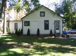 3 br, 2 bath House - 743 Miller Ave 743 Miller Rd. - Ann Arbor