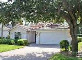 7900 Leicester Dr - Naples