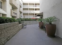 Renaissance Terrace - Long Beach