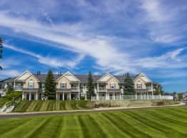 Woodland Lakes Apartments - Lansing