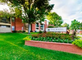 Pine Knoll Apartments - Longview