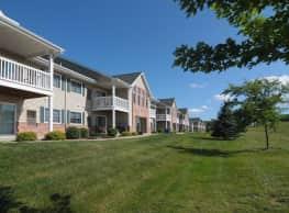 Honey Creek Apartments - East Troy
