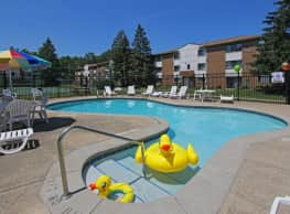 Columbia Square Apartments - North Olmsted