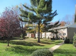 Hickory Hills Condominiums - Bel Air