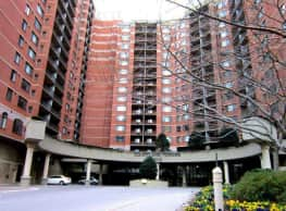 Courtland Towers - Arlington