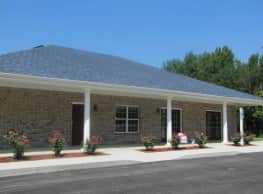 Red Oak Apartments - West Point