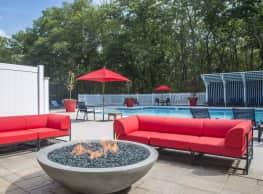 Royal Crest Estates Apartments - Fall River