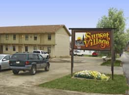 Sunset Village Apartments - Fort Smith