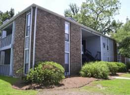Deer Run Apartments - North Charleston