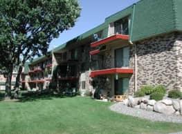 Garden Oaks Apartments - Coon Rapids