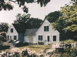 Deerfield Village - Niantic