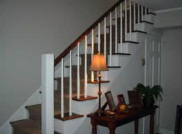Twin Pines Apartments - Macon