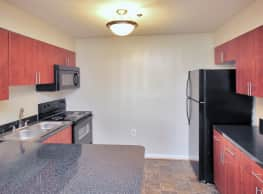 Diamond Ridge Apartments - Baltimore