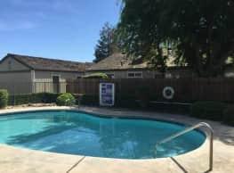 Huntington Place - Fresno