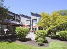 Creekside Village Retirement Community - Beaverton