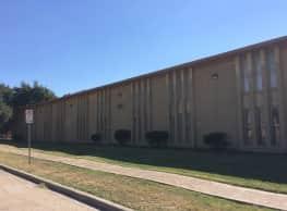 Arawak Apartments - Dallas