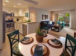 Solazzo Apartment Homes - La Jolla