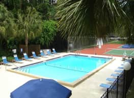 Creekwood Apartments - Gainesville