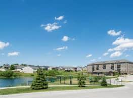 Walnut Lake Apartments - Urbandale