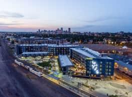 Denizen Apartments & Townhomes - Denver