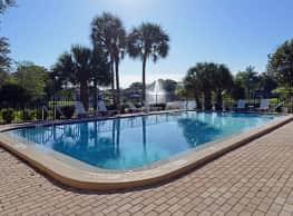 University Lake Apartments - Tampa