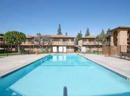 Los Olivos Apartments - Whittier