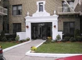 Pineda Apartments - Elizabeth