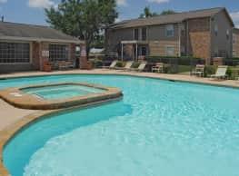 Solarium Apartments - Greenville