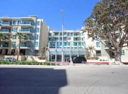 Capri Apartments - Marina Del Rey