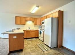 Lake Crest Apartments - West Fargo