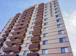 Park Place Apartments - Des Moines