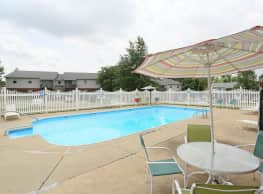Seven Oaks Apartments - Henderson