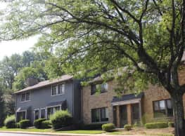 Woodbridge Apartments of Bloomington - Bloomington