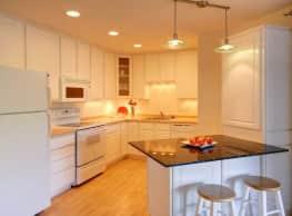 Lakewood Hills Apartments - White Bear Lake