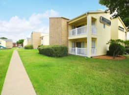 Creekwood Apartments - DeSoto