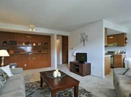 Heritage Apartments - Bloomington