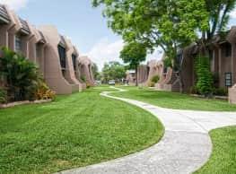 Courtyards At Miami Lakes - Miami Lakes