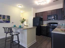 Oak Court Apartments - Wilmington
