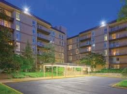 Merrill House Apartments - Falls Church