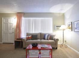 Las Brisas Apartments - Colton